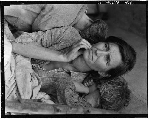 Dorothea Lange: Destitute pea pickers in California. Mother of seven children. Age thirty-two. Nipomo, California