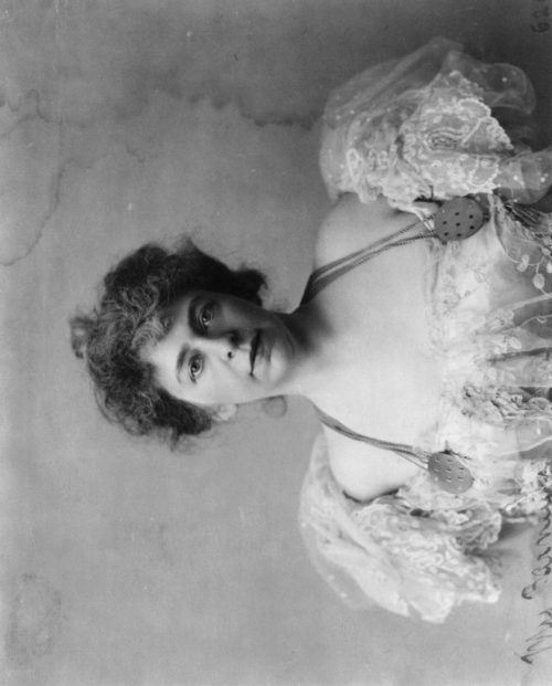 Frances Benjamin Johnston: Alice (Pike) Barney, 1857-1931