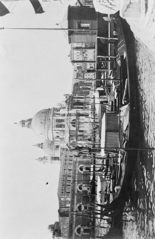 Frances Benjamin Johnston: [The Grand Canal and Santa Maria della Salute, Venice, Italy]