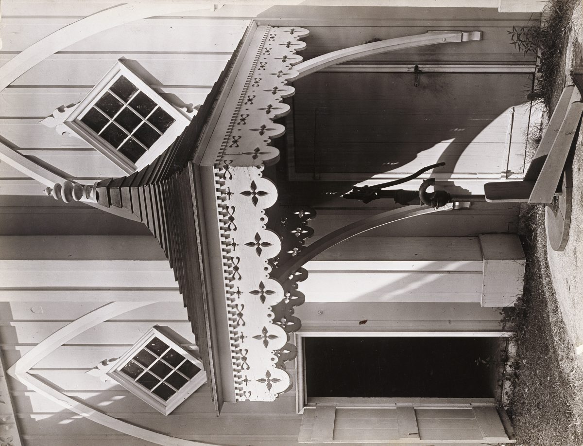 Walker Evans: Gingerbread, Pump House, Kennebunk, Maine / Maine Pump / Pump, Wedding-Cake House, Kennebunkport, Maine, 1933
